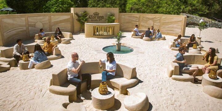Corona построила экологичный pop-up пляжный бар